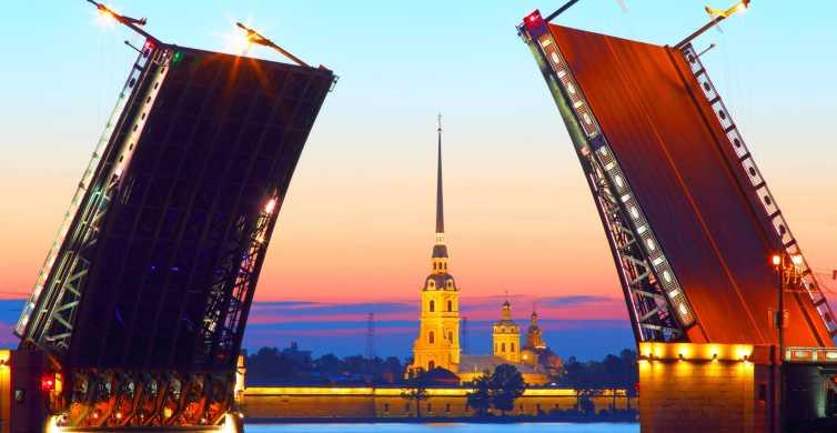 San Pietroburgo: crociera serale tra i ponti mobili alzati