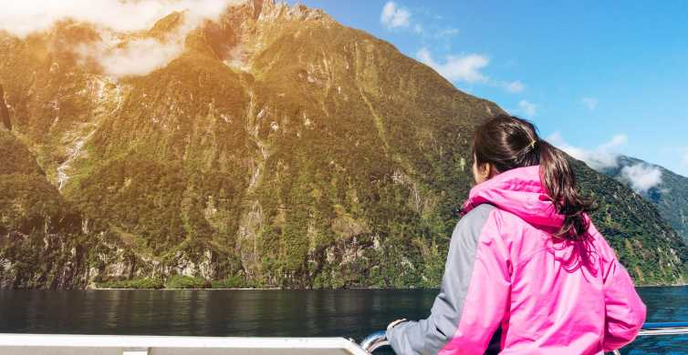 Milford Sound Premium Day Tour and Cruise from Queenstown
