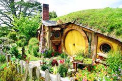 De Auckland: Excursão de 1 Dia Hobbiton, Rotorua e Waitomo