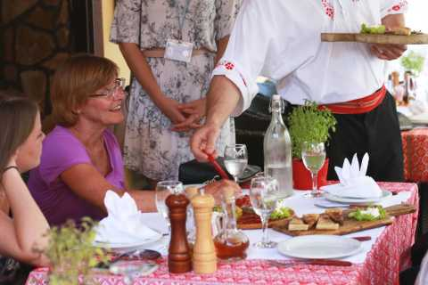 Zagreb: 3.5–Hour Traditional Culinary Walking Tour