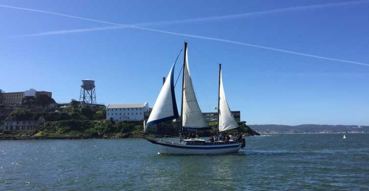San Francisco: Bay Sailing Tour with Drinks