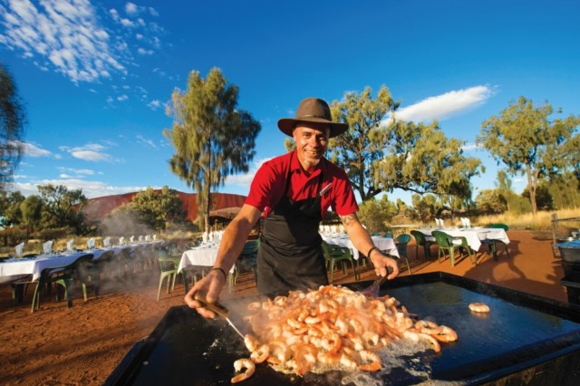 Uluru: Sacred Sites Tour + Sparkling at Sunset & BBQ Dinner
