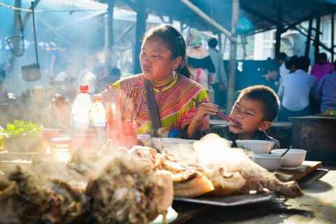 From Sa Pa: Sunday Bac Ha Market Group Tour