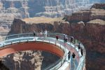 Grand Canyon: Bus Tour with Walking Tour Guide