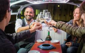 Zurich: Swiss Cheese Fondue and Wine Tuk-Tuk Tour