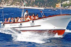 Passeio de Barco em Capri com Parada na Gruta Azul