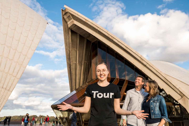 cose da fare quando piove a sydney |  guarda uno spettacolo dal vivo al teatro dell'opera di Sydney