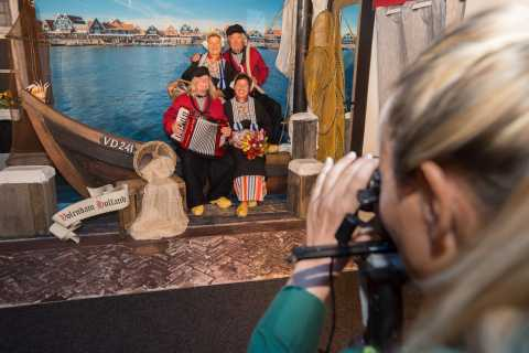 Volendam: Photo Opportunity in Traditional Dutch Costume