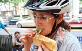 Shanghai: 3-Hour Biking and Local Food Tour