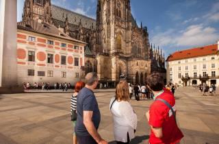 Prag: 6-stündige Stadtrundfahrt mit Bootsfahrt & Mittagessen