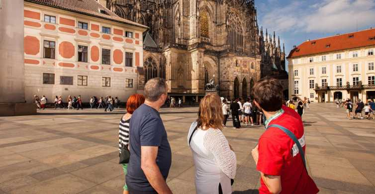Prague: 6-Hour City Tour including Cruise and Lunch