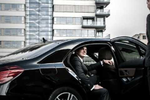 Brussels: VIP Transfer between City/ Airport and Ghent