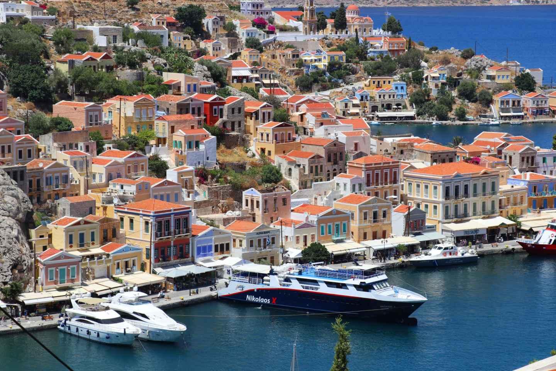 Ab Rhodos: Ganztägige Bootstour zur Insel Symi
