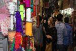 Varanasi: Private Evening Handicraft Market Tour with Dinner