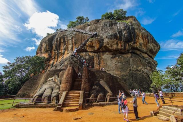 Vanuit Colombo: dagtrip Sigiriya en Dambulla