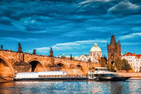 Prague: 2-Hour Lunch Cruise on the Vltava River