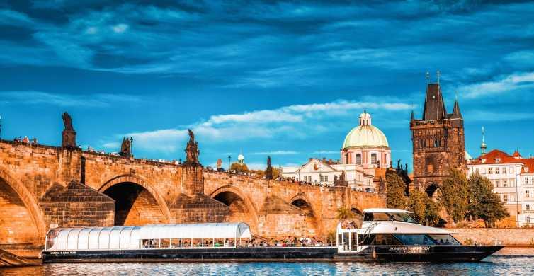 Praga: crociera di 2 ore con pranzo sul Fiume Moldava