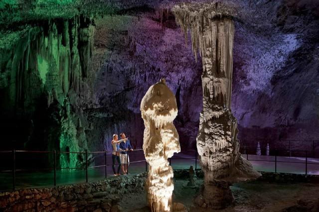 Vanuit Rijeka: Postojna-grot en Predjama-kasteel