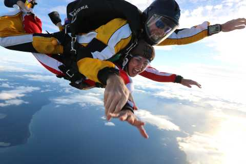 Tandem Skydive Experience in Taupo