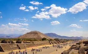 From Mexico City: Teotihuacán Early Access & Liquor Tasting