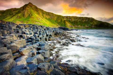 Game of Thrones & Giant's Causeway: Guided Tour from Belfast