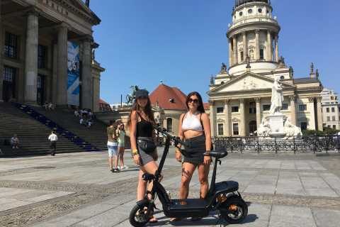 Berlin: 1-Hour E-Scooter Rental with Optional Tour