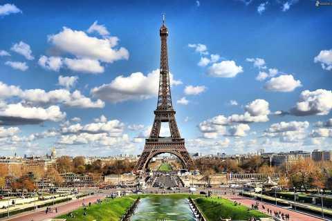 Paris: Eiffelturm mit Zugang zur Spitze, Louvre & Bootstour