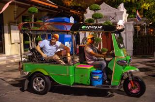Bangkok bei Nacht Tuk-Tuk-Tour: Märkte, Tempel & Essen