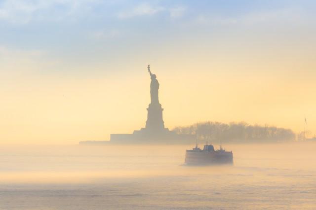 Manhattan: Statue and Skyline Cruise aboard the Luxury Yacht