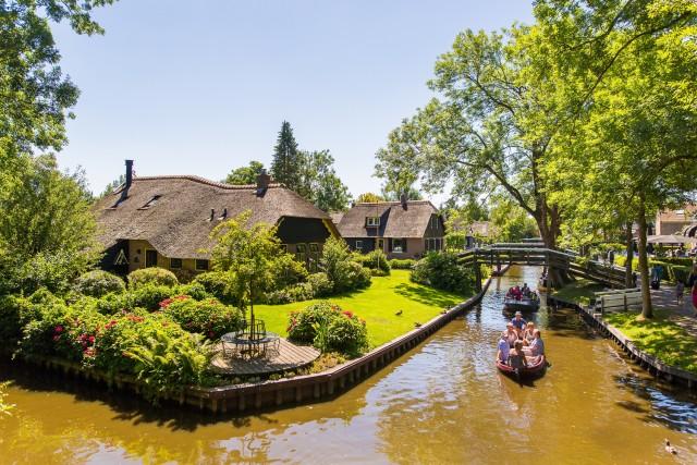 Vanuit Amsterdam: daguitstap Giethoorn & Afsluitdijk