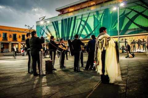 Mexico City: Evening Garibaldi Square Tour & Dinner