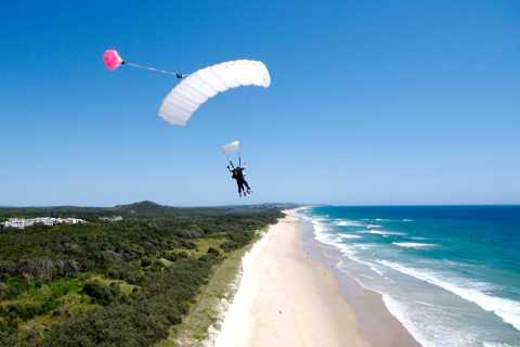 Noosa: Tandem Skydive from 15,000 Feet