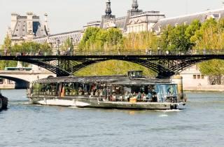 Paris: Mittagessen bei 2-stündiger Bootsfahrt auf der Seine