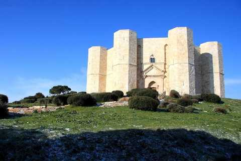 Castel del Monte Tour with transfer from Trani