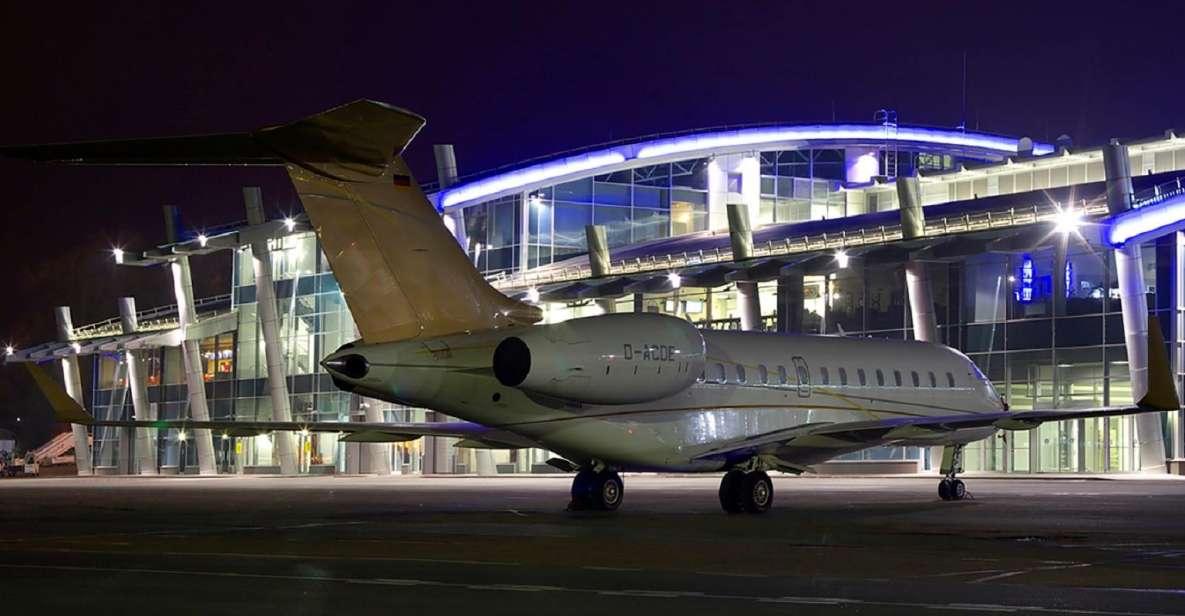 Kiew: Flughafentransfer