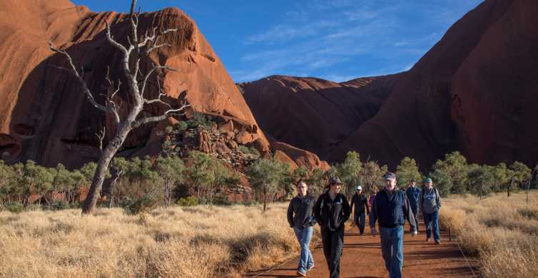 Uluru Highlights Small Group Morning Tour + Picnic Breakfast