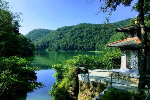 Pokhara: Tour Bus Unguided Day Trip