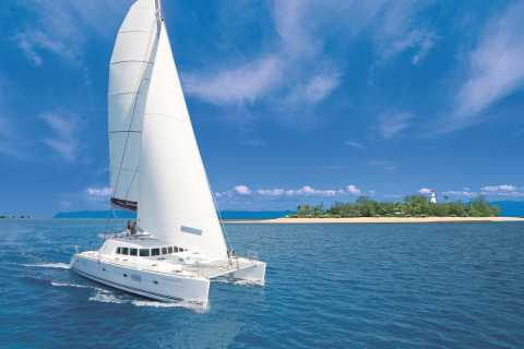 Port Douglas: Low Isles Afternoon Cruise on Luxury Catamaran