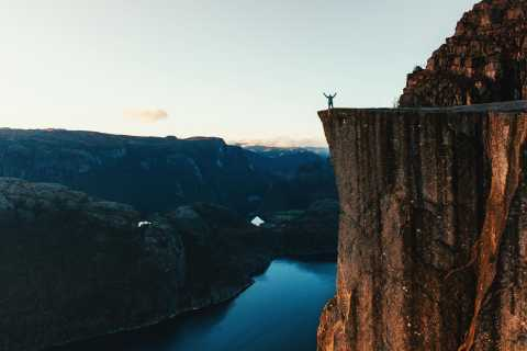 Ab Stavanger: Wanderung zum Preikestolen (Kanzel-Felsen)