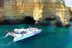 Benagil: Cruzeiro de Catamarã pelas Grutas e Litoral