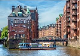 Wat te doen in Hamburg - 2-uur Durende Tour Haven van Hamburg: Maritieme Flair
