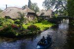 Amsterdam: Zaanse Schans and Giethoorn Day Tour