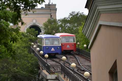Vladivostok City Tour on Three Types of Public Transport