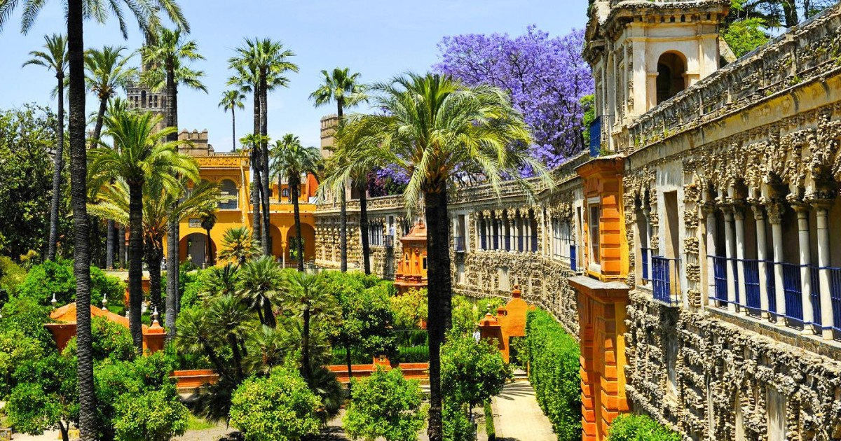 Seville: Alcazar, Cathedral & Giralda Guided Tour