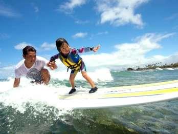 Oahu: Kinder Surfunterricht in Waikiki Beach
