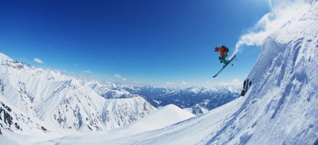 Van Tbilisi: volledige dag privé-skitour naar Gudauri