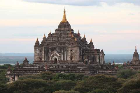 Bagan: Guided Sunset Temple Day Tour and Traditional Lunch