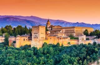 Granada: Alhambra und Generalife – Führung mit Ticket