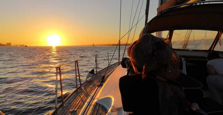 Lisbon: 2-Hour Guided Sailing Tour at Sunset