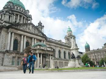 Ab Dublin: Belfast, Mainistir Bhuithe & Geburtsort Titanic